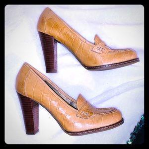 Banana Republic mustard yellow leather loafer heel